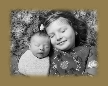 Treasured Moments photography, newborn sibling portrait