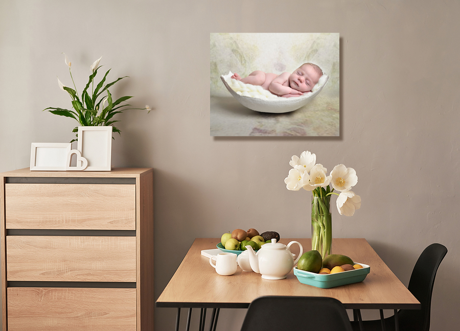 Beautiful home with Bump cast image on wall
